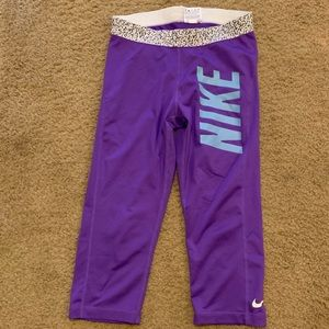 Nike cropped compression leggings